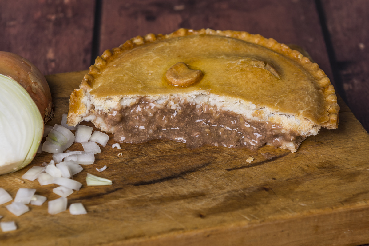 how to make mince and onion pie